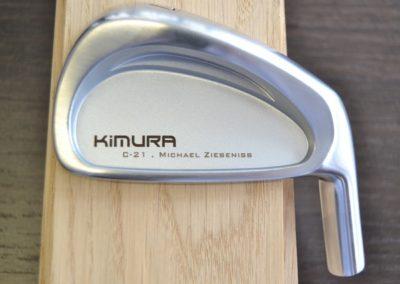 Golfschl-ger-mit-einer-individuellen-Gravur