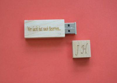 Überraschen Sie Ihre Kunden mit gravierter USB Stick