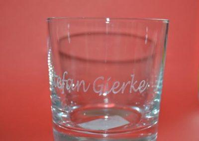 Glas mit einem eigenen Wunschgravur