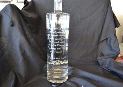 Glasflasche gravieren mit Laser