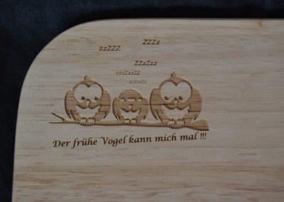 Frühstücksbrettchen Holz mit Gravur