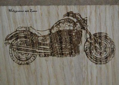 Holzgravur-mit-Laser