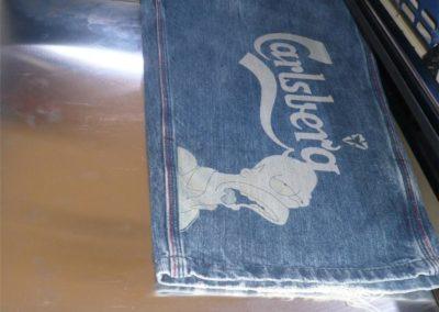 Textiliengravur - Gravur von Softshell und Jeans | Lasergravur