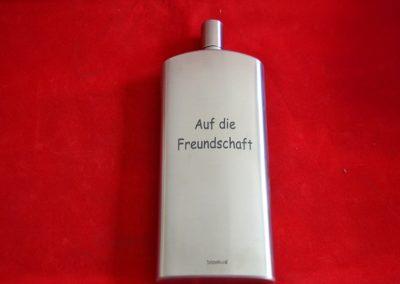 Flachmann-Edelstahl-mit-Wunschgravur