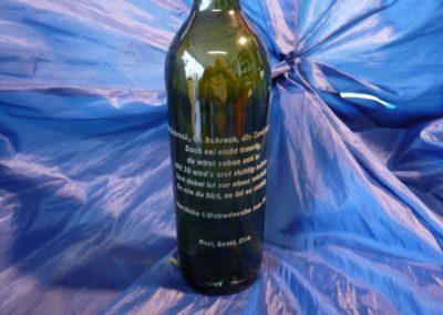 Laserbeschriftung  von Flaschen