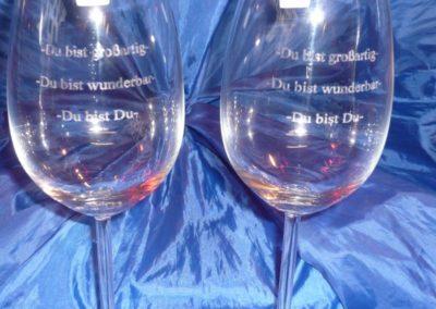 Weinglas mit Textgravur
