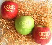 Mit Ihrem Logo gelaserte Äpfel