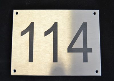 Hausnummer-Laserbeschriftung
