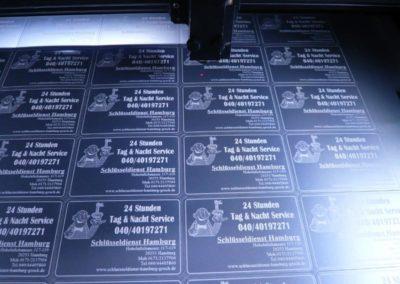 Visitenkarten mit Laserschneiden und Lasergravieren
