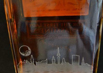 Whisky-Flasche-mit-pers-nlicher-Gravur